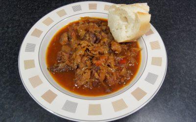Bigos – Poolse stoofschotel met zuurkool uit de slowcooker