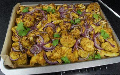 Curry van de bakplaat met kip, bloemkool en Eddo
