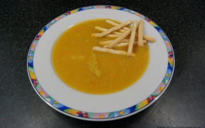 Wortel-pastinaaksoep met gember en sinaasappel(sap)