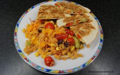 Mexicaanse couscoussalade met quesadilla's
