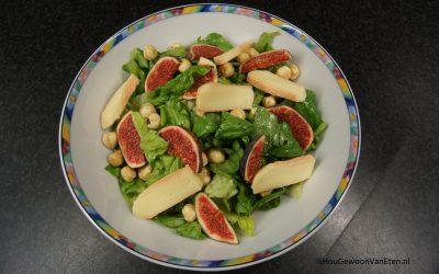 Salade met vijgen, Munster kaas en geroosterde hazelnoten