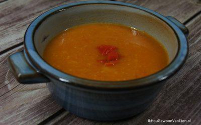 Kikkererwtensoep met geroosterde paprika