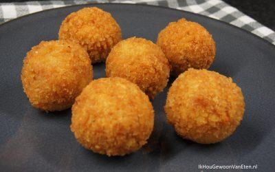 Zelfgemaakte chorizo-paprika bitterballen