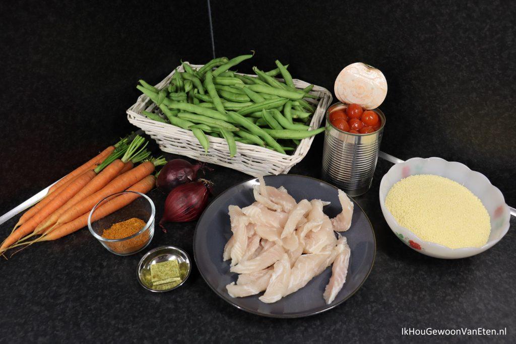 panga met sperziebonen - ingrediënten: sperziebonen, bospeen, rode ui, blik cherry tomaten, panga reepjes, shoarmakruiden, couscous