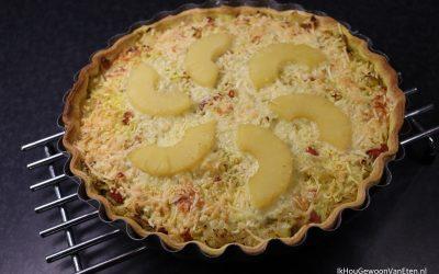 Zuurkooltaart met kerriegehakt, spekjes en ananas